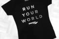 MARATHON MÜNCHEN 2017 SUGAR & PAIN TEAM Run Four Good mit Speed, Spirit und viel Spass / Die Vorderansicht des limitierten SUGAR & PAIN Running Shirts © Stefan Drexl