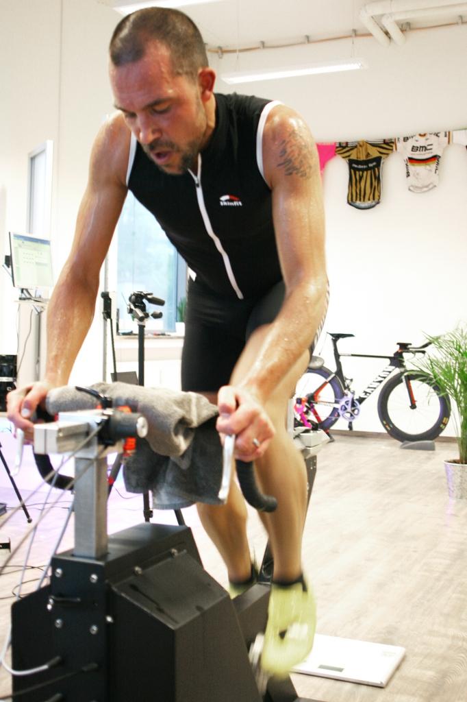 Im Radlabor geht es um die richtige Sitzposition, um die Harmonie von Mensch und Fahrrad, um Muskelkraft und Vortrieb, und um die Faszination des Radfahrens