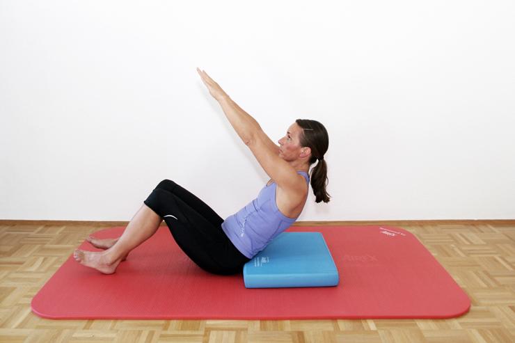 CRUNCH für's Six-Pack: Der Brunch wirkt bei der geraden und äußeren schräge Bauchmuskulatur, kräftigt die Bauchdecke. Der Brunch hilft für die Verbesserung der Körperhaltung. Koordination und Stabilisierung der Wasserlage, des Laufstils, der Sitzposition auf dem Rad.