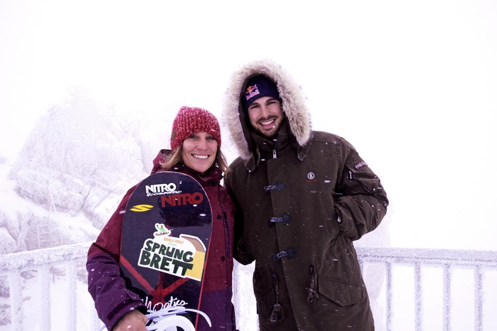 DWDS Auftaktpressekonferenz auf der Zugspitze am 11.12.2014. Hier im Schneegestöber auf der Zugspitze zu sehen unsere Paten Nicola Thost und Bene Mayr. Foto: Mo Garhammer