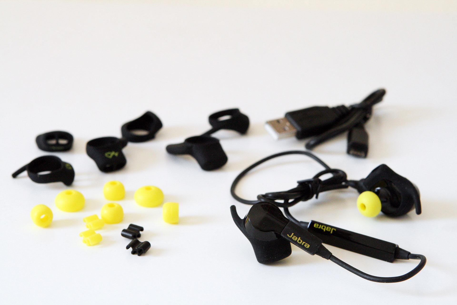 Jabra Pulse Sport Wireless mit USB-Kabel, verschieden großen Aufsätzen und Gummistöpsel zur individuellen Anpassung an das Ohr