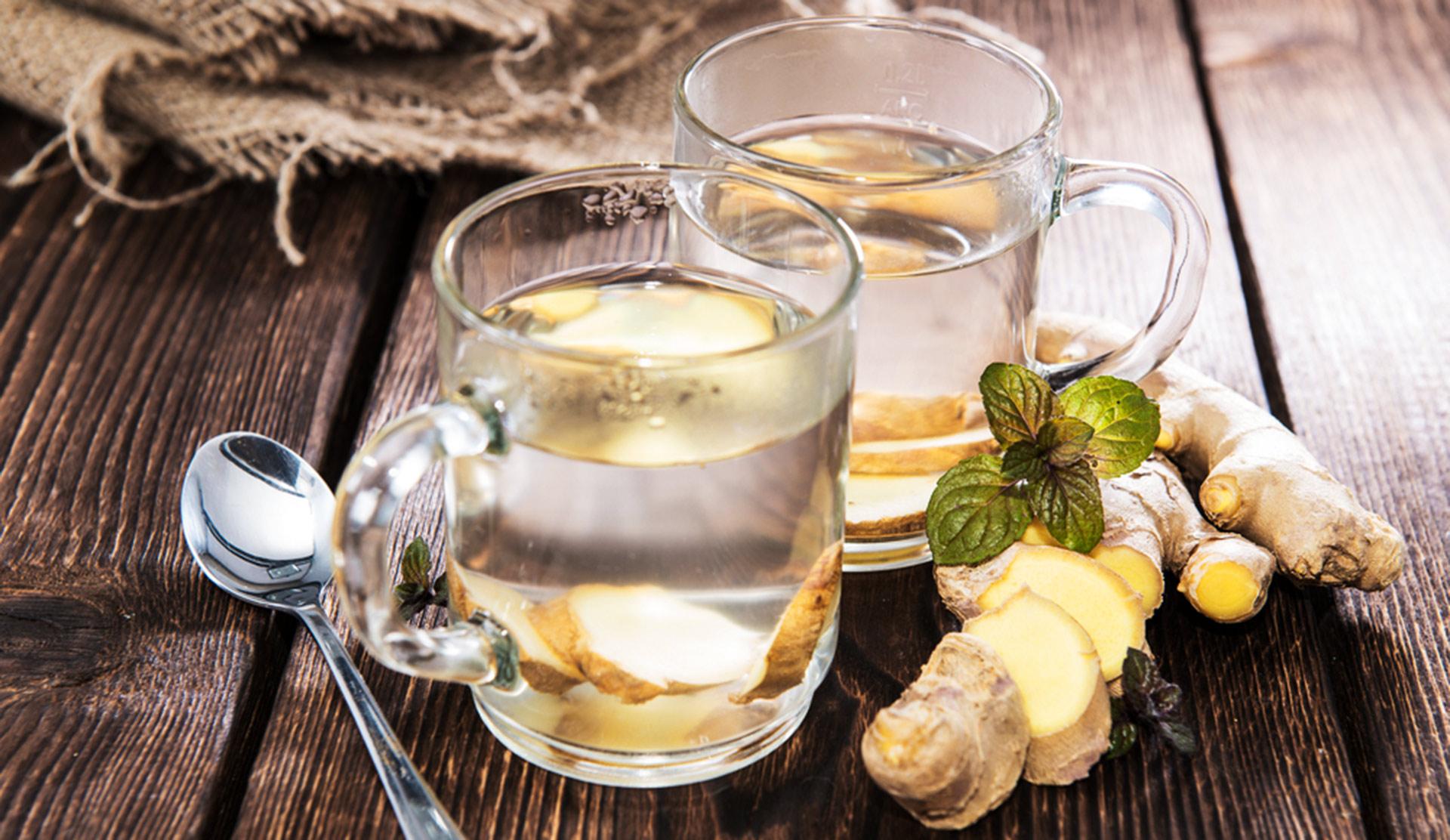 Nach den Festen kommt das Fasten: Ingwer Tee ist gesund und unterstützt die Fettverbrennung