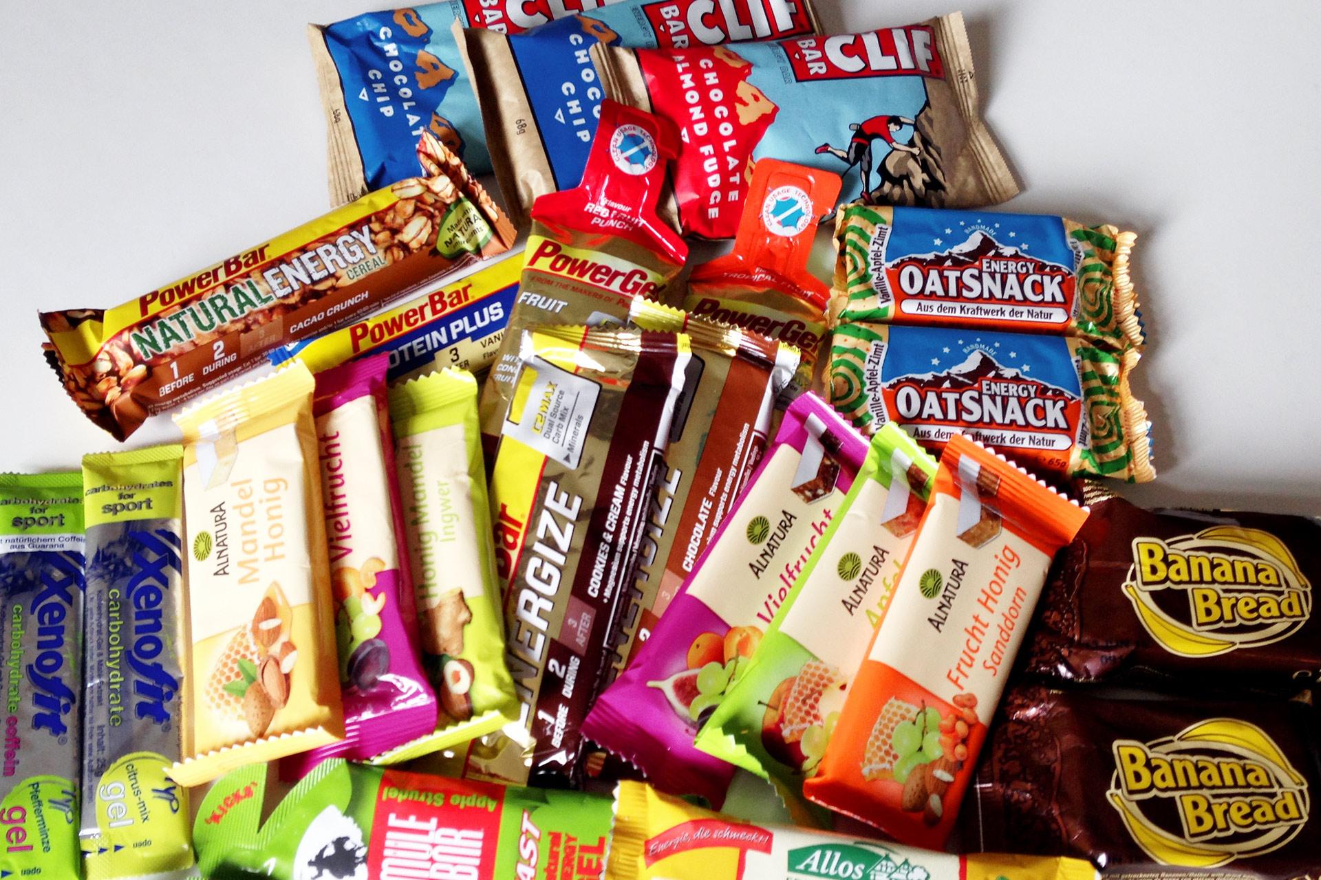 ECHT IS(S)T BESSER! Der Mehrwert natürlicher Nahrungsmittel im Sport: Voller Energie - Riegel und Gels gibt's von vielen Herstellern für jeden Geschmack – nur nicht jeder hält was er verspricht oder verträgt sich gut mit dem Magen