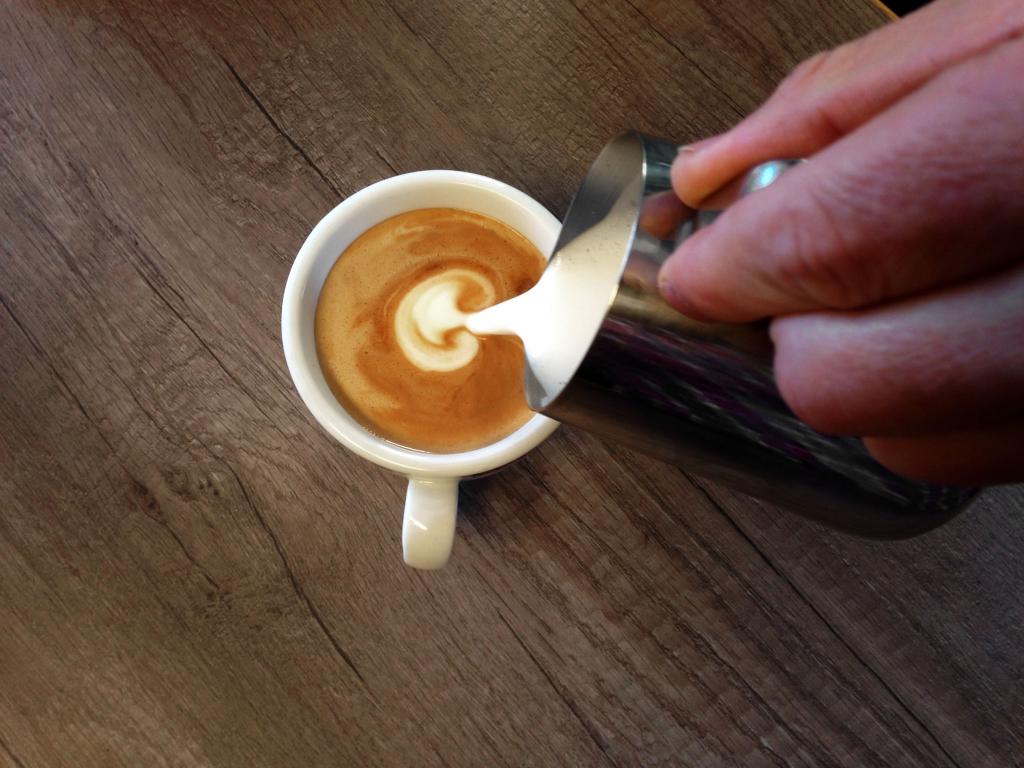 KOFFEIN IM BLUT: Mit dem Rennrad durch die Espressowüste / Harmonie für den Gaumen, Koffein für's Blut ©stefandrex.de