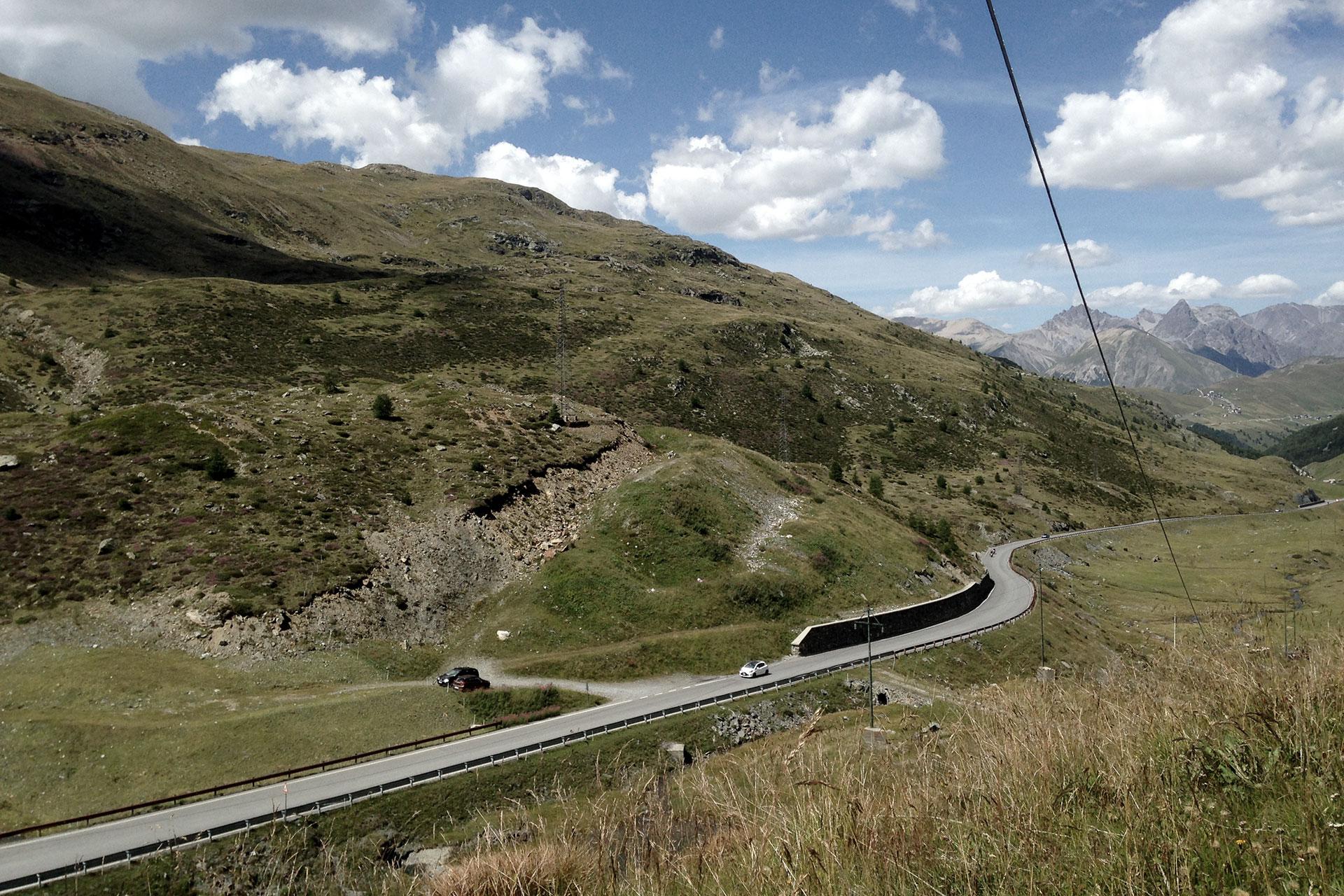 IRONMAN VICHY 2017 The Making of an Ironman Triathlete #3 / Auf dem Weg zum Stilfserjoch von Livigno sind der Passo d'Eira und del Foscagno zu überfahren © Stefan Drexl