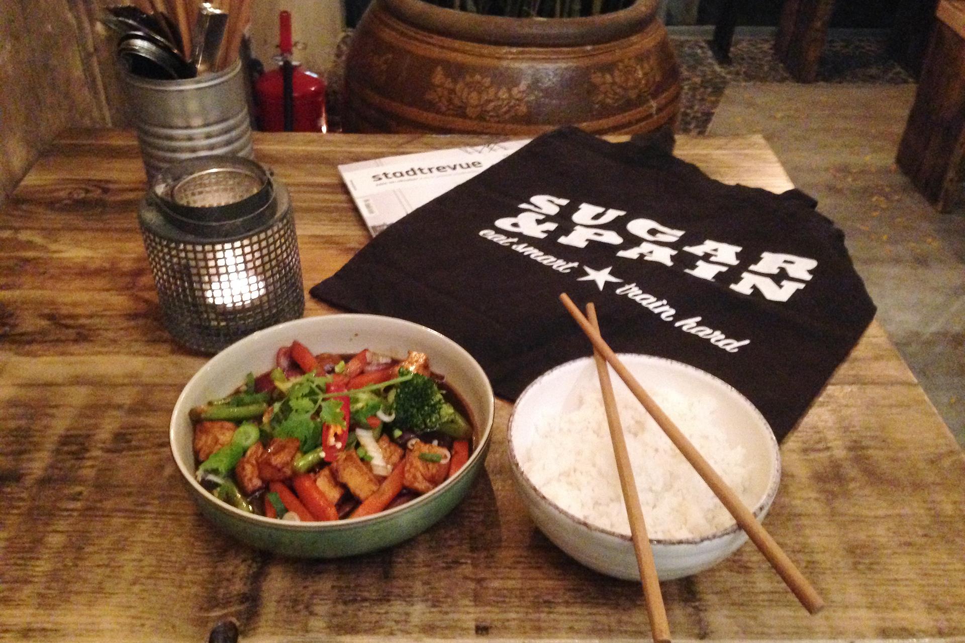 MARATHON KÖLN 2017 Run Your World alaaf / Carbo Loading mit vegetarischem Dau Hu Sat mit extra Reis in der vietnamesichen Garküche Chum Chay © Stefan Drexl