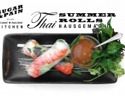 REZEPT: Rollin' Home – Thai Summer Rolls Hausgemacht / Wenn's im Frühling und Sommer heiss ist und die Sonne scheint, dann sind thailändische Summer Rolls ein sensationell erfischende Mahlzeit nach dem Training. Ich liebe selbstgemachte, frische Gemüserollen in Reispapier mit Erdnusssauce. © Stefan Drexl