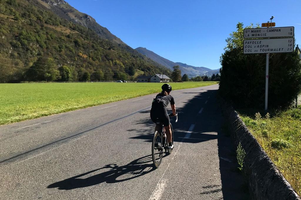 COL DU TOURMALET Ein Jugendtraum mit dem Rennrad / Die lange Anfahrt über Bagnères-de Bigorre bis zum Anstieg © stefandrexl.com