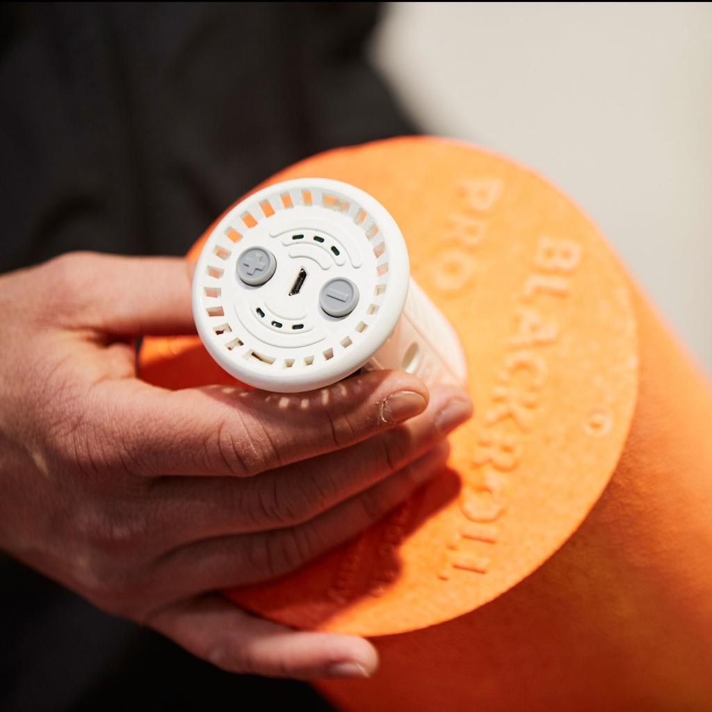 ISPO MUNICH 2019 Highlights / BLACKROLL Booster – Massage mit Vibration © 2019 Messe München GmbH / Photo: Frommel fotodesign