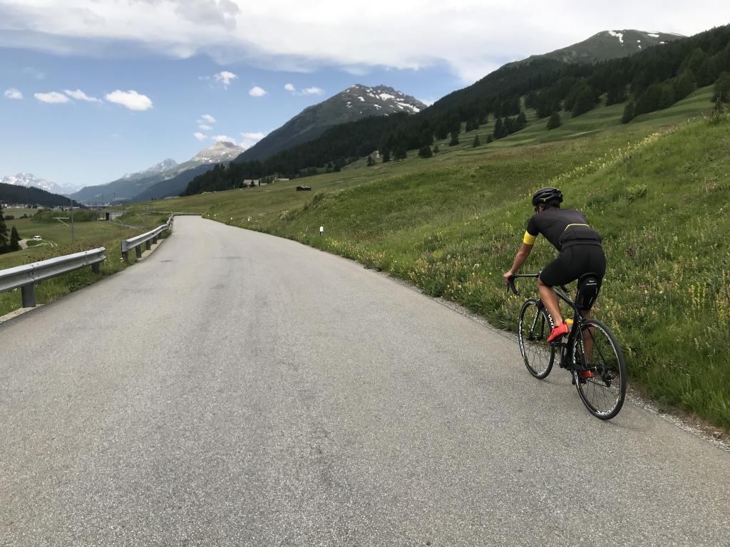 ENGADIN RADMARATHON 2019 Spektakuläres Panorama und wunderbares Biest / Die Landstrasse durchs Oberengadin nach St. Moritz © Stefan Drexl