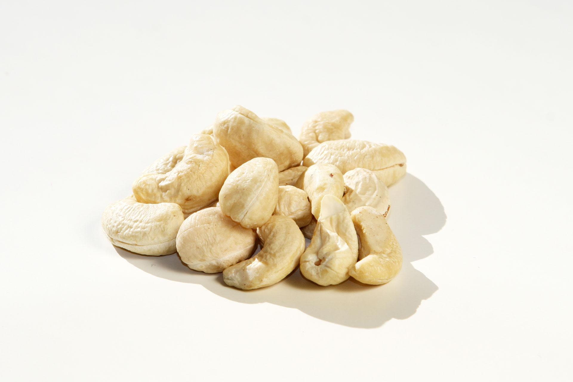 Jetzt gibt's was auf die Nüsse – Gesunde knackige Schnellmacher / Cashewnüsse © stefandrexl.de