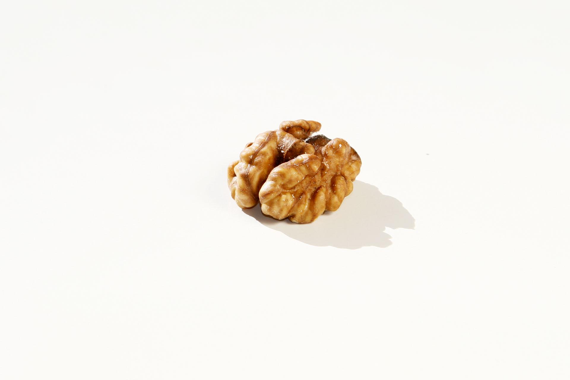 Jetzt gibt's was auf die Nüsse – Gesunde knackige Schnellmacher / Die Walnuss © stefandrexl.de