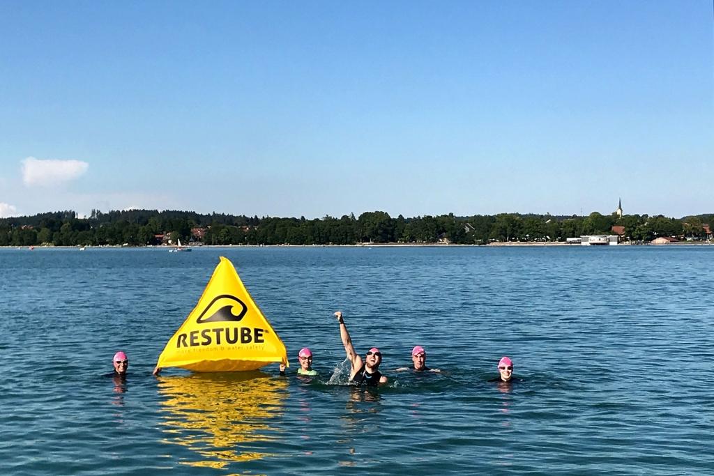 SWIMINAR #OPEN Chiemsee / Schwimmseminar für richtige Kraultechnik im Freiwasser / Mehr Spass im Wasser ist die grösste Motivation © Stefan Drexl