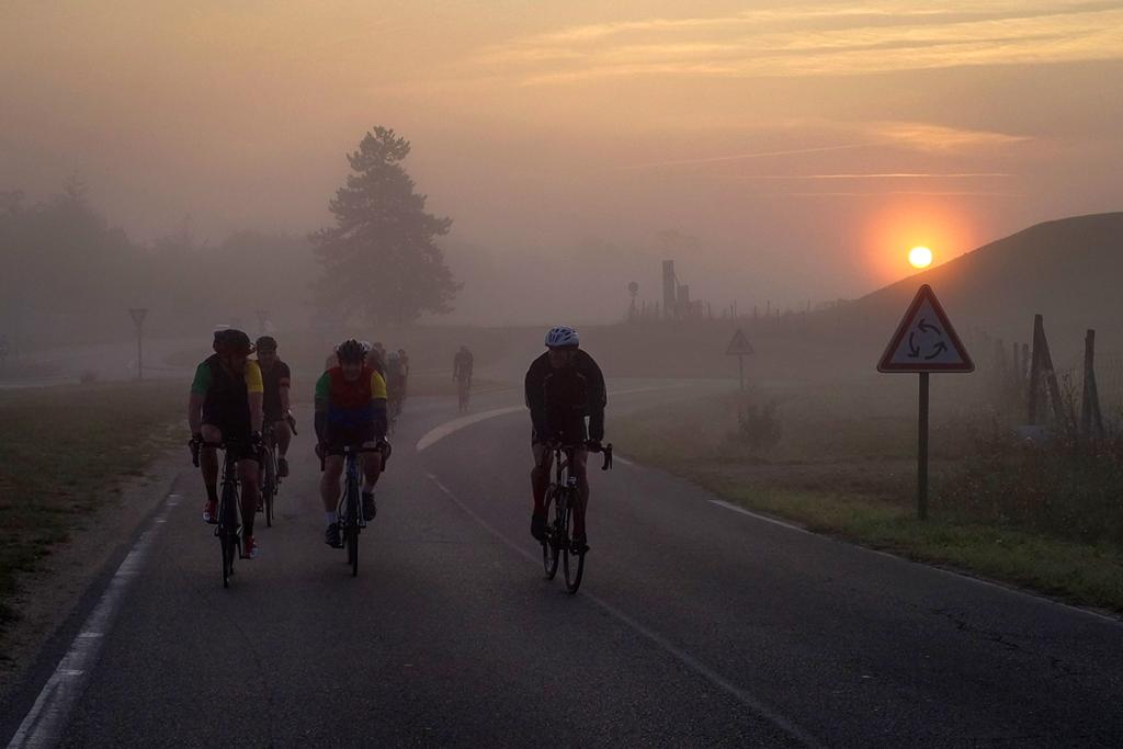 NWC N° 6 x SUGAR & PAIN Rennradfahren gegen HPV verursachten Krebs / Sunrise © NWC Moritz Werner